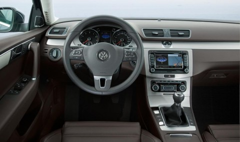 2011-volkswagen-passat-tsi-wagon-interior-european-spec-photo-380168-s-1280x782