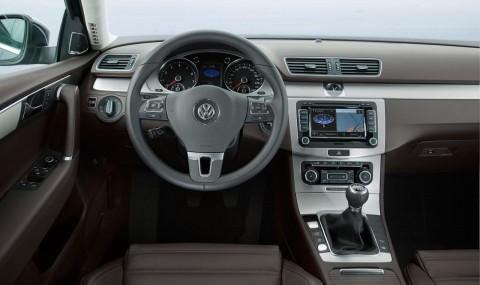 2011-volkswagen-passat-tsi-wagon-interior-european-spec-photo-380168-s-1280x782