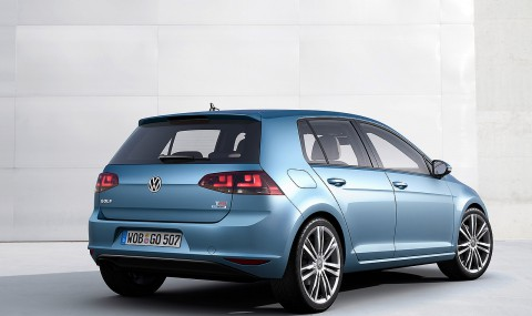 2013_volkswagen_golf_official_3
