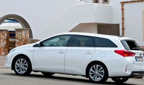 Toyota-Auris-Touring-Sports3
