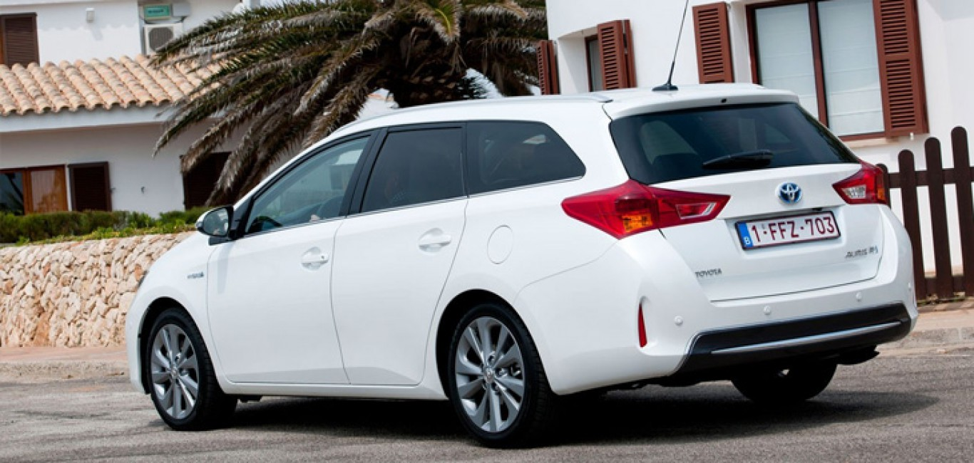 Toyota-Auris-Touring-Sports4