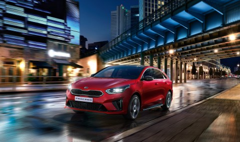 02-kia_pressrelease_2018_PRESS-HIGHRES_proceed_front_bg